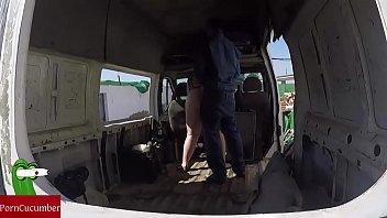 Enculada a la gorda en una furgoneta abandonada. vídeo voyeur con cámara.GUI022 Thumbnail