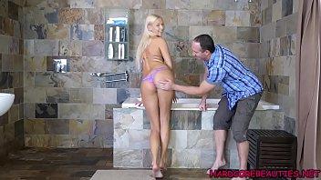 Sale blonde bikini de modele...