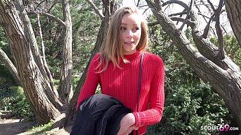 GERMAN SCOUT - 18 Jahre junges Schuelerin nach der Schule angesprochen und vor der Kamera gefickt