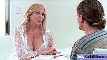 Sex Hard Bang With Big Juggs Hot Mommy (Julia Ann) vid-21