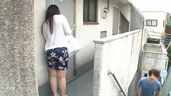 chuyện chị hàng xóm không mặc áo ngực …