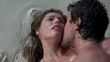 Kelly Brook hot scene part-1