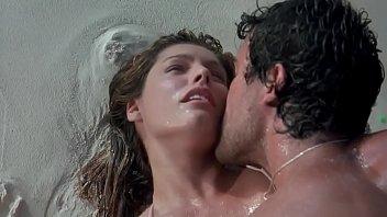 Kelly Brook hot scene part-1