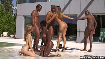 Lesbians play by the pool with Zaawaadi!