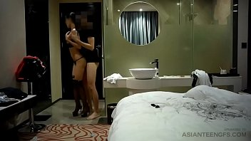 (Homemade) Hotel fuck with amateur Asian girl