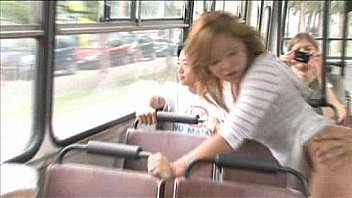 Varm Offentlige Scene pa Bussen...