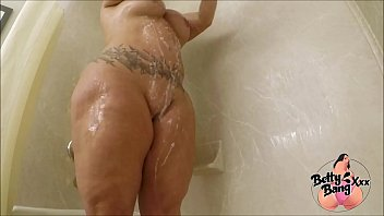 Big Booty Mom Suds Up Her Ass And Bald Pussy