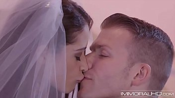 Bride has first anal after the wedding