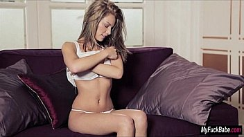 vids Gorgeous girl with a perfect body masturbates on webcam