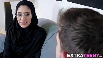Facialized Arab babe has ass fucking Thumbnail