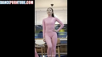korean dancers showing camel toes in tight pink spandex suits