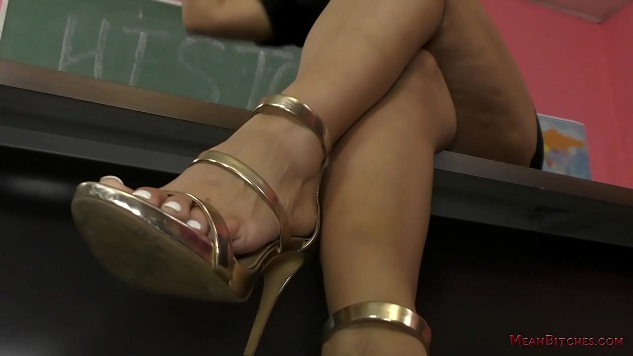 Sexy Ebony Feet Worship