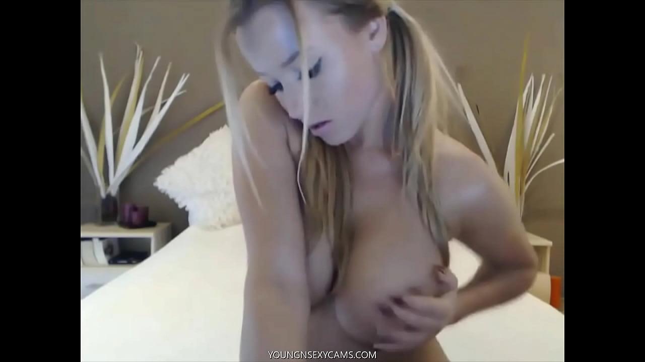 Young Sexy Teen Masturbating