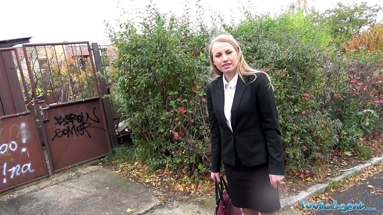 Public Agent Russian Blonde