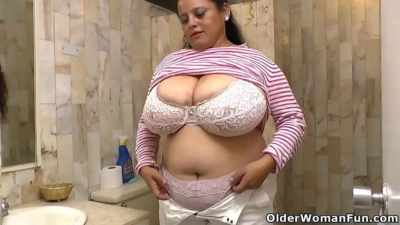 Actriz Porno Americana Joslyn Jane Videos these latina bbw milfs know what they want and are willing