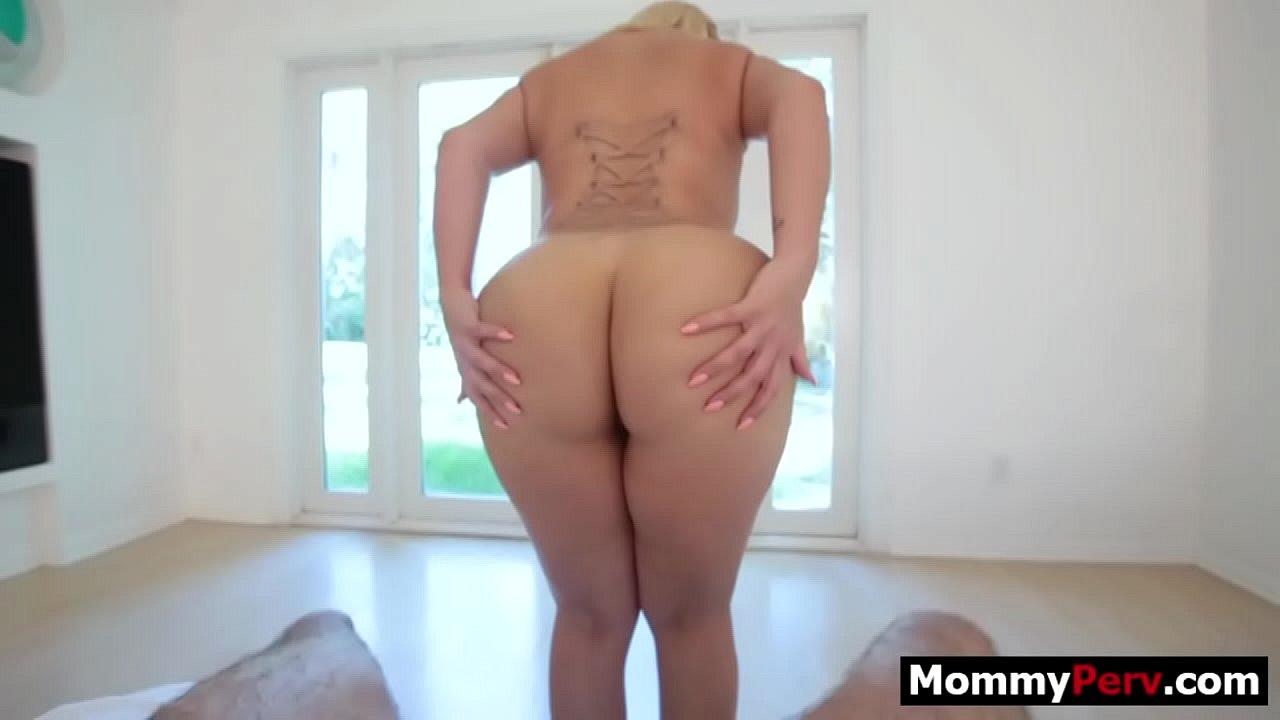 Fucking Big Black Ass Step Mom