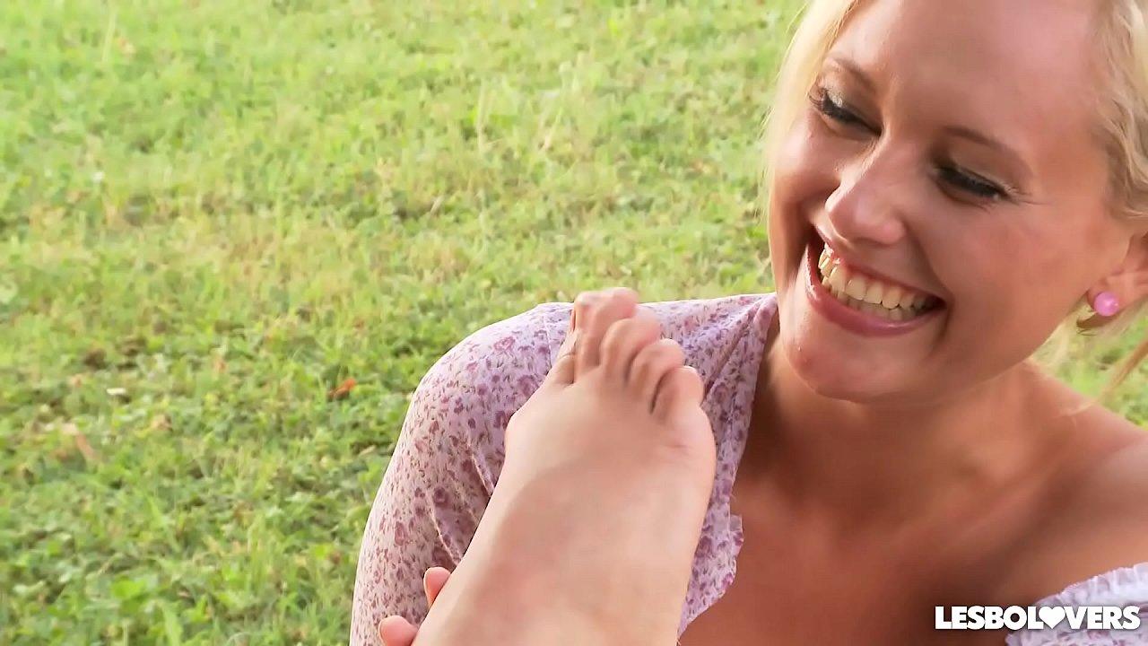 Lesbian Mistress Foot Fetish