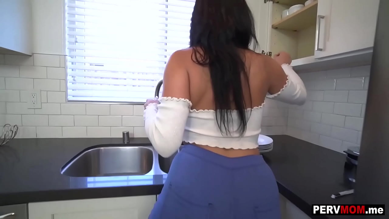 Scarlett Latina Big Ass