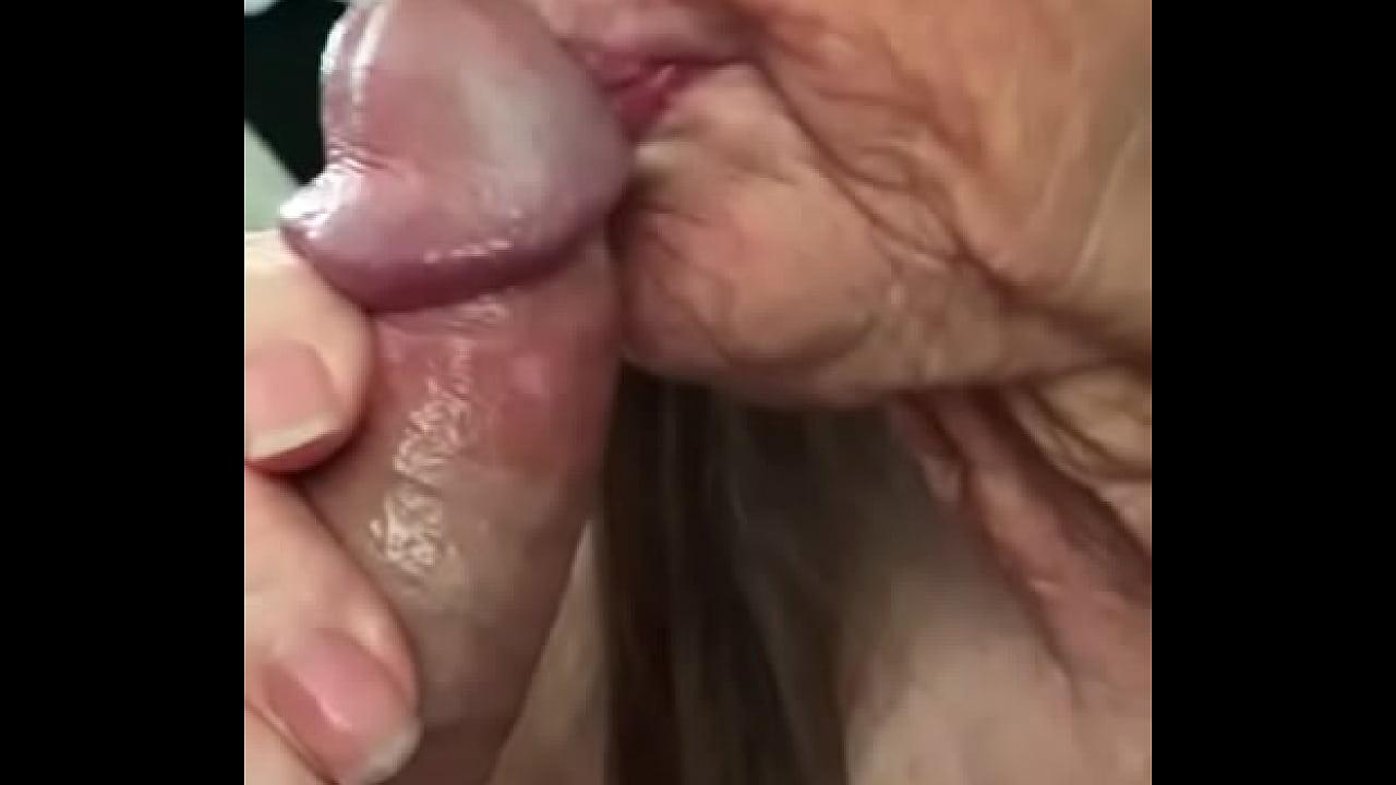 Abuela Y Joven Porno abuela hace oral y se le vienen en la boca - xnxx