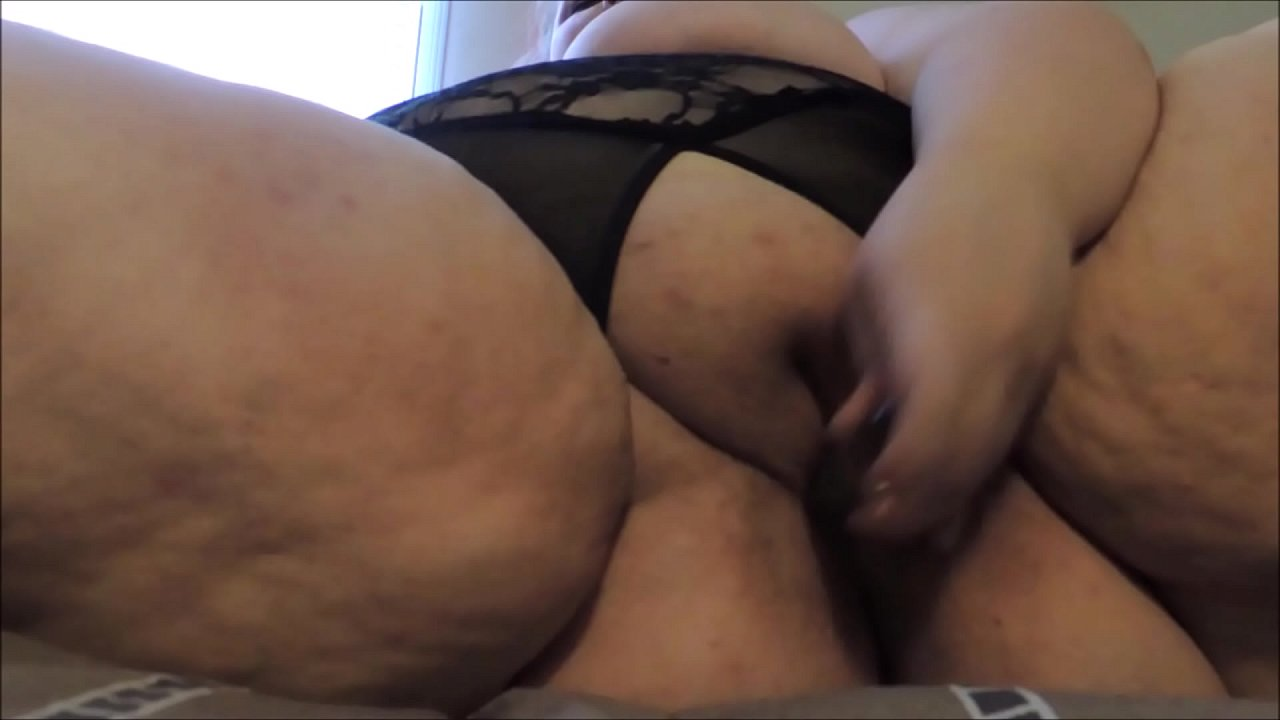 Amateur Wife Ball Sucking