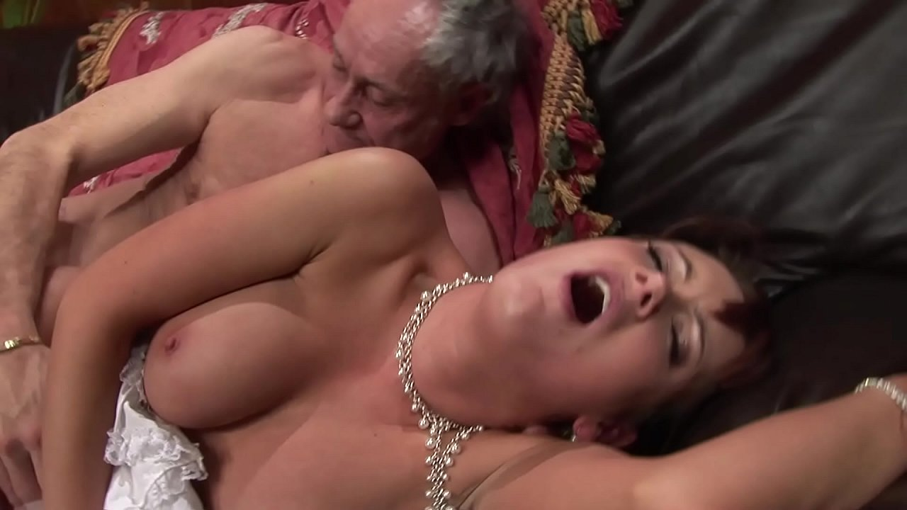 Teen Girl Fucks Old Man