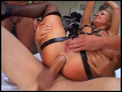 Брутальное доминирование над женщиной в две щели, порно видео бдсм в попу