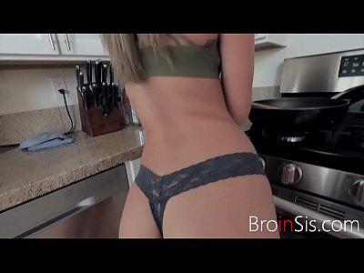Кухонные поебушки молодых ребят, порно видео бесплатно молоденькие