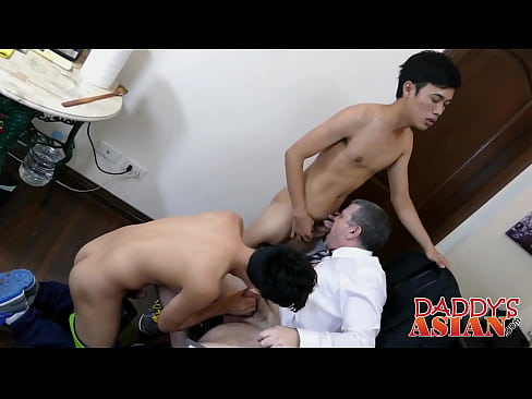 Daddy Barebacks Asian Twink Gilbert
