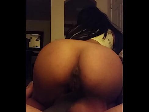 amateur latina big booty slim waist creampie