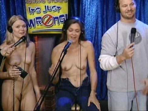 strips-nude-for-howard-stern-sasha-gray-naked-full