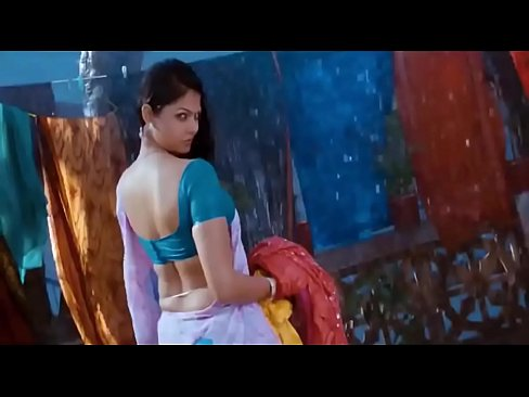 Hottest South Indian Actress Wet Hips Saree in Rain - http://free-hot-girls.ml/