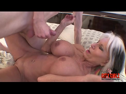 naked women squirt in public