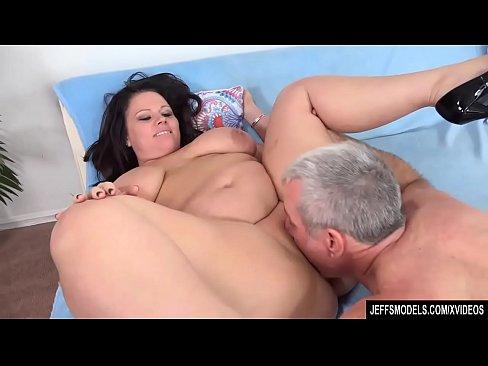 moms on sex fat