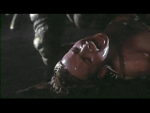 Galaxy of terror worm sex scene