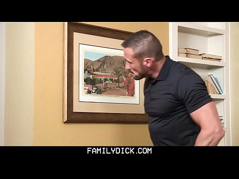 Familydick muscled stepdad nails his stepsons butthole