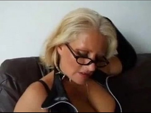 Homemade mature sucks and gets a mouthful