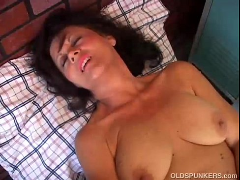 Amateur mom solo anal