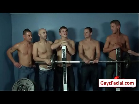 Muscley nasty gay gets a facial