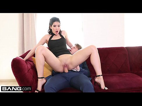 Lady Dee takes one two men at once in this double penetration scene