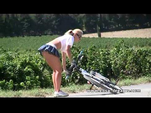 xnxx Dirt bike lesbians
