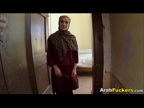 Emirati girl fucked hard are mistaken