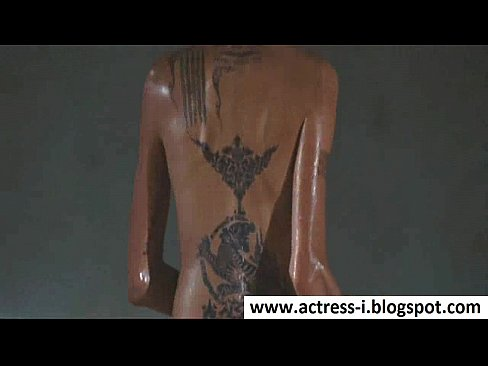 Angelina jolie naked pictures in wanted — pic 8