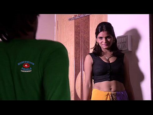 Indian Shruti Bhabhi Romance with Servant