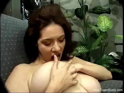 Mature babe masturbation video