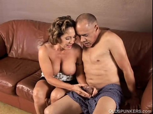 Mature sex cumming