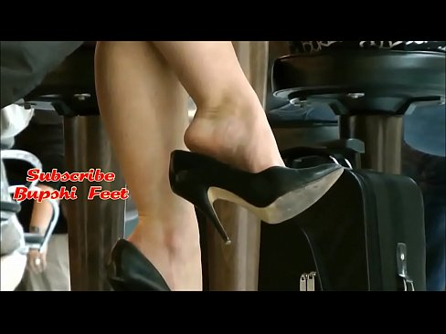 Milf with amazing feet part 1