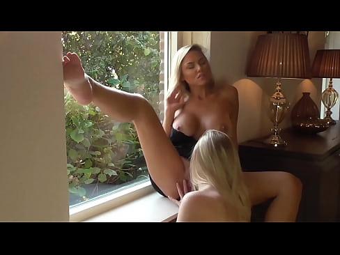 amateur lesbian licks to orgasm