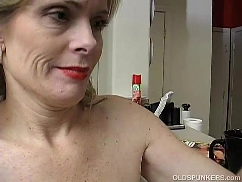 Tgp mature masturbating gets cunt soaked wet gandhi nude sex
