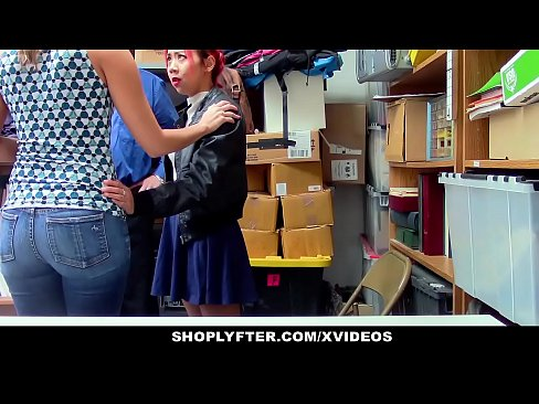 Shoplyfter asian mom christy love and daugther share security cock