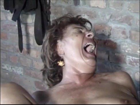 Oma der alte Fotzen Tiger beim masturbieren